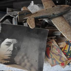 Détail de l'atelier de Formentera avec une photo d'Isabel Echarri