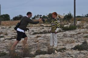 Lionel Baert filmant Isabel Echarri