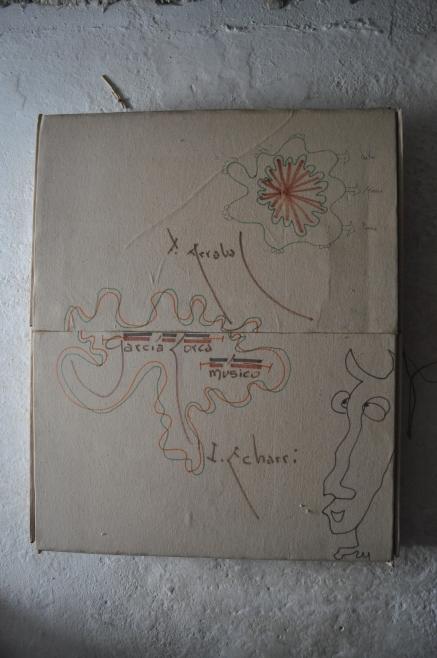 Garcia Lorca Music avec Fernando Arrabal Référence: IE 2016 DD #1009 1995 Livre objet, exemplaire unique, signé avec Arrabal 77 x 60 x 6 cm Collection de l'artiste - Disponible