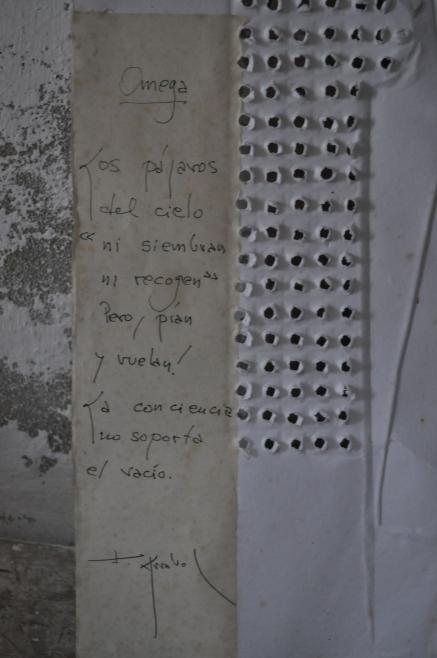 Omega avec Fernando Arrabal Référence: IE 2016 DD #1011 Date à confirmer Sculpture papier numérotée 20/20, signé Isabel Echarri et Fernando Arrabal 69 x 50 cm non encadré Collection de l'artiste - Disponible