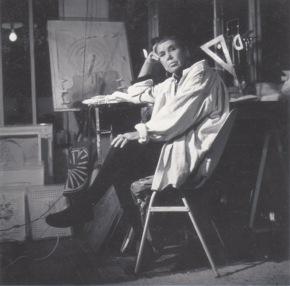 Isabel Echarri sans son atelier de Paris, dans les années 1990