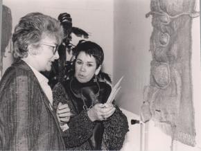 Yvette Roudy et Isabel Echarri en 1986 pour l'exposition Femmes